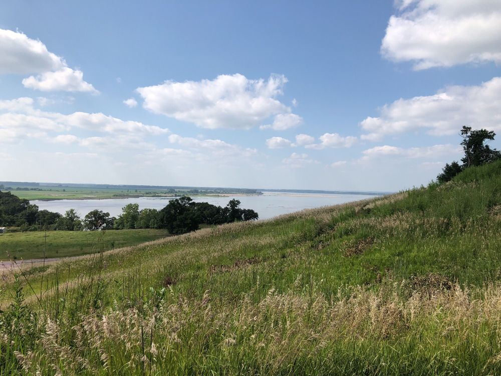 Mulberry Bend Overlook: NE-15, Newcastle, NE