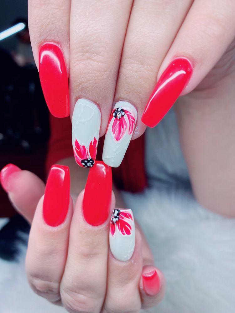 Nails By Tammy: 4144 St Rte 34, Hurricane, WV