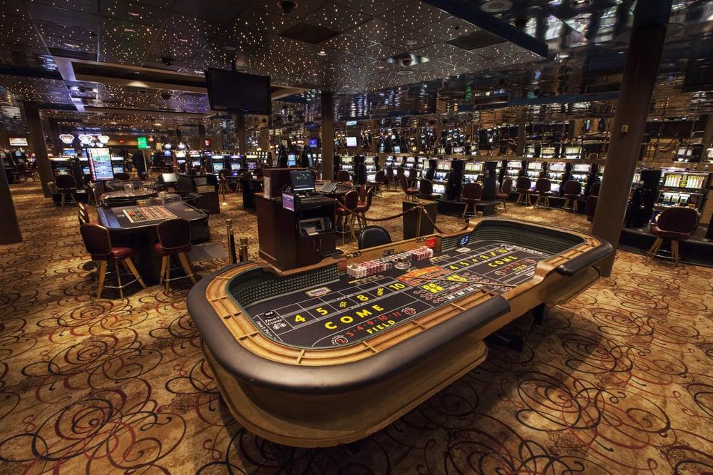 Majestic Star Casino & Hotel: 1 Buffington Harbor Dr, Gary, IN