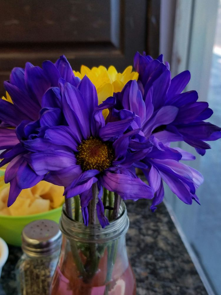 Real flowers at each table - Yelp