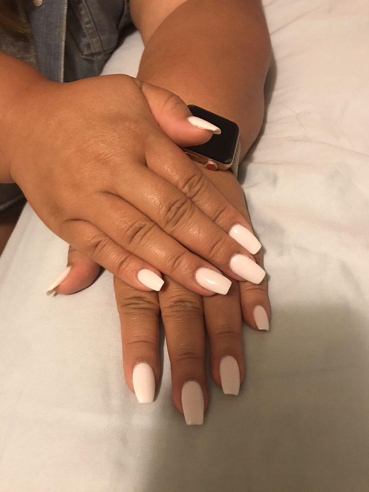 Le's Nails: 97 N Kingshighway, Cape Girardeau, MO