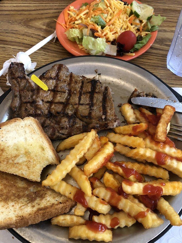 McLain Family Steak House: 622 Hugh Adams Rd, Defuniak Springs, FL
