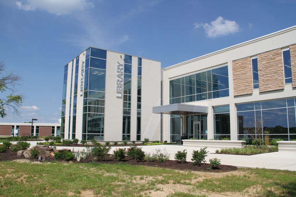 Jefferson College: 1000 Viking Dr, Hillsboro, MO