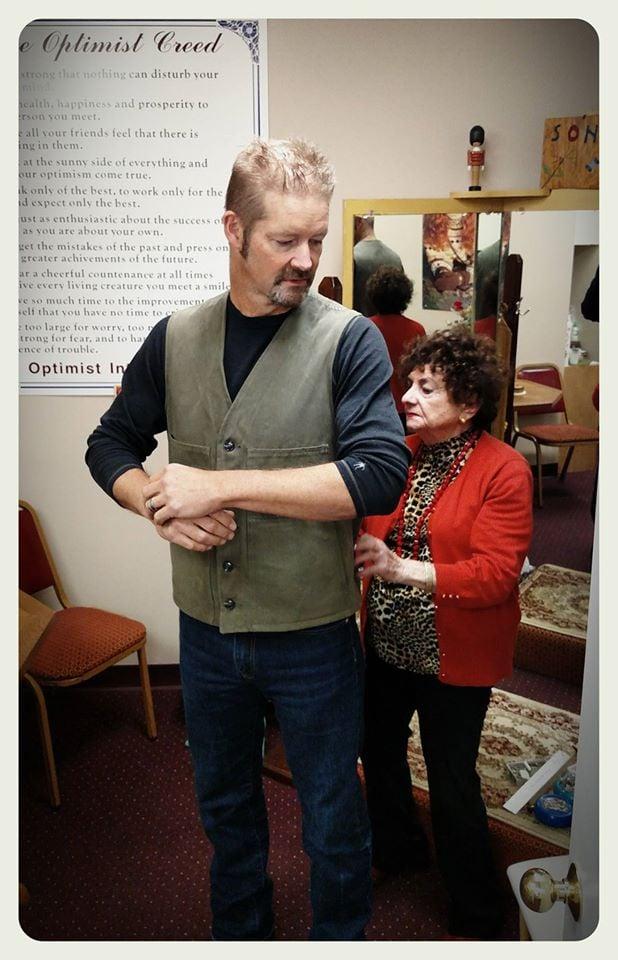 John's Tailoring & Alterations: 5600 W 95th St, Overland Park, KS
