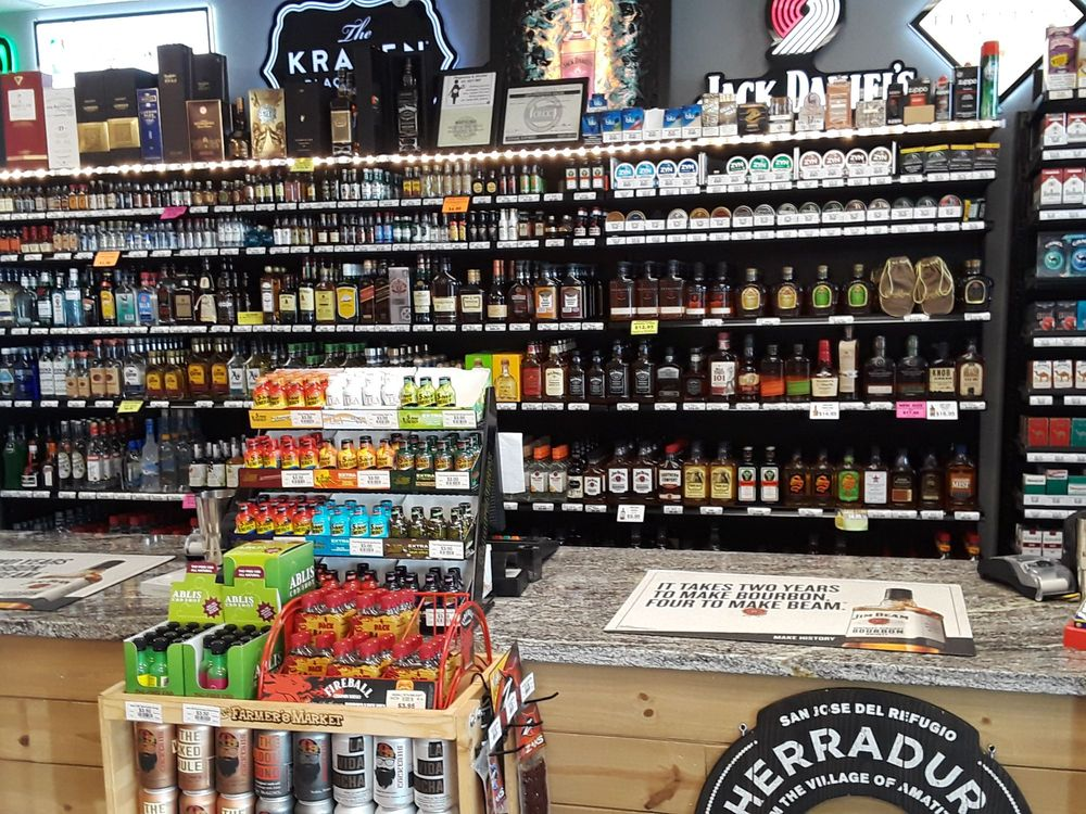 Estacada Liquor Store: 305 SW Wade St, Estacada, OR