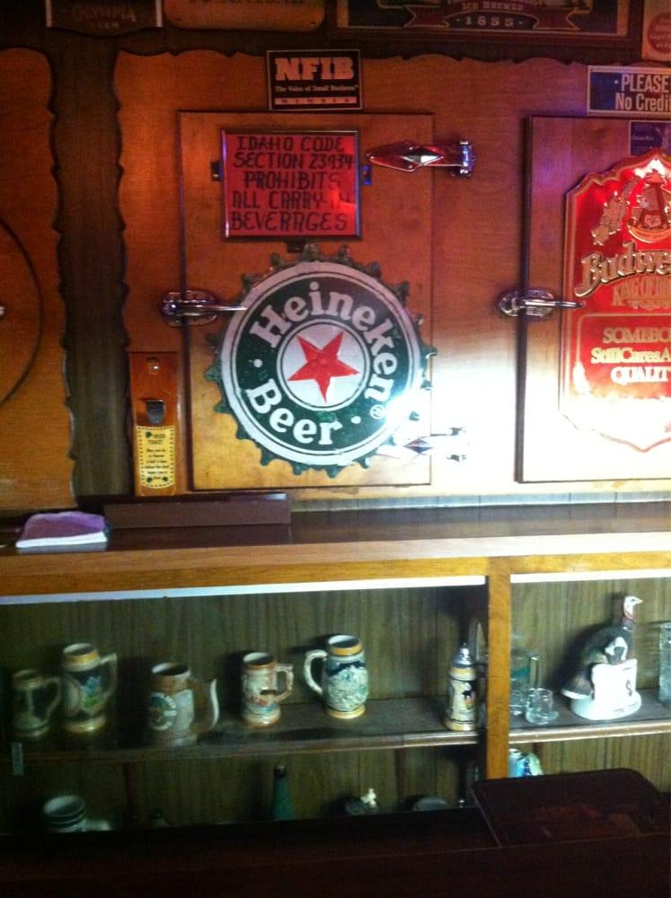 Bourbonbarrel Bar: 238 W Clark St, Pocatello, ID