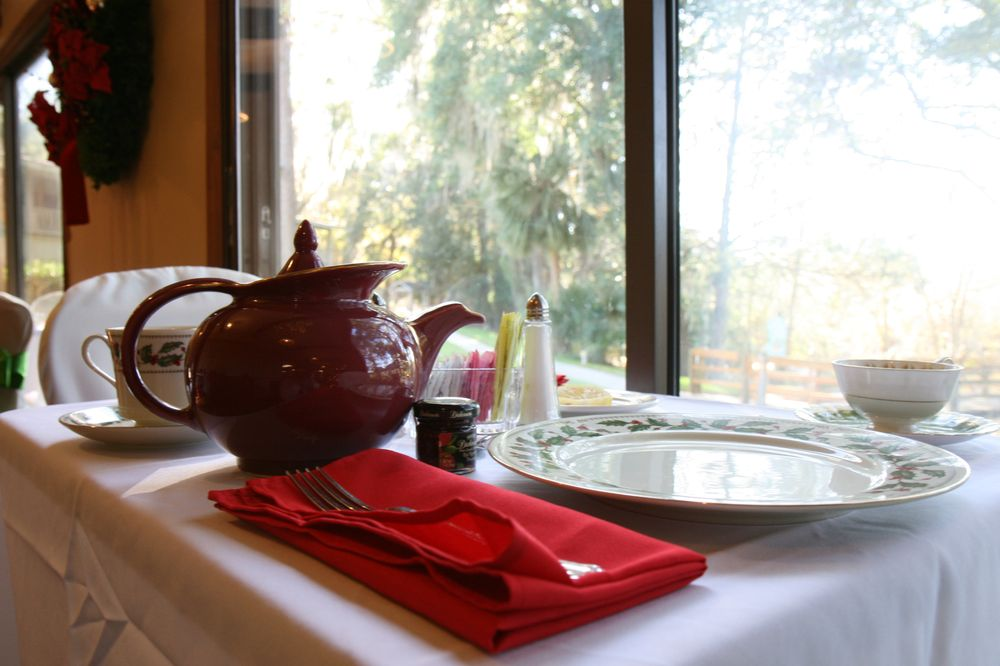 Village Cafe at Advent Christian Village: 11057 Dowling Park Dr, Live Oak, FL