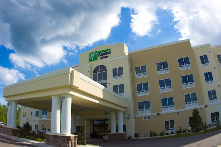 Holiday Inn Express & Suites Havelock NW-New Bern: 103 Branchside Rd, Havelock, NC