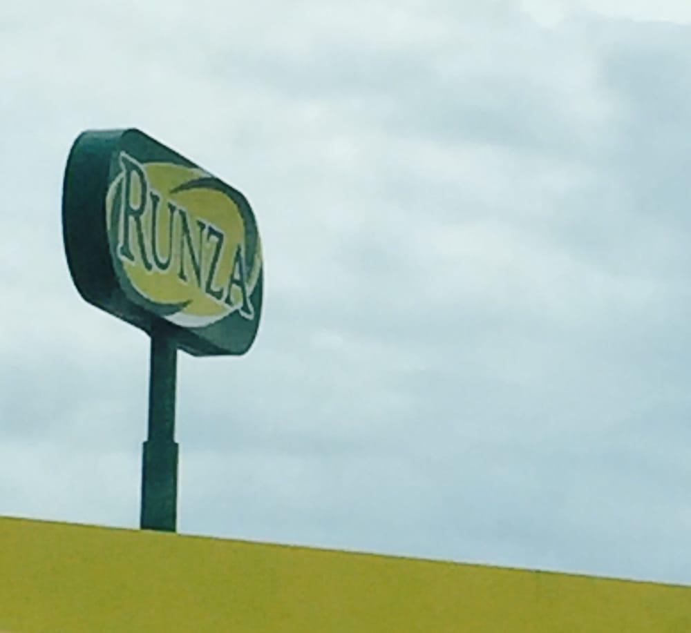 Runza Drive-Inn: 1605 N Lincoln Ave, York, NE