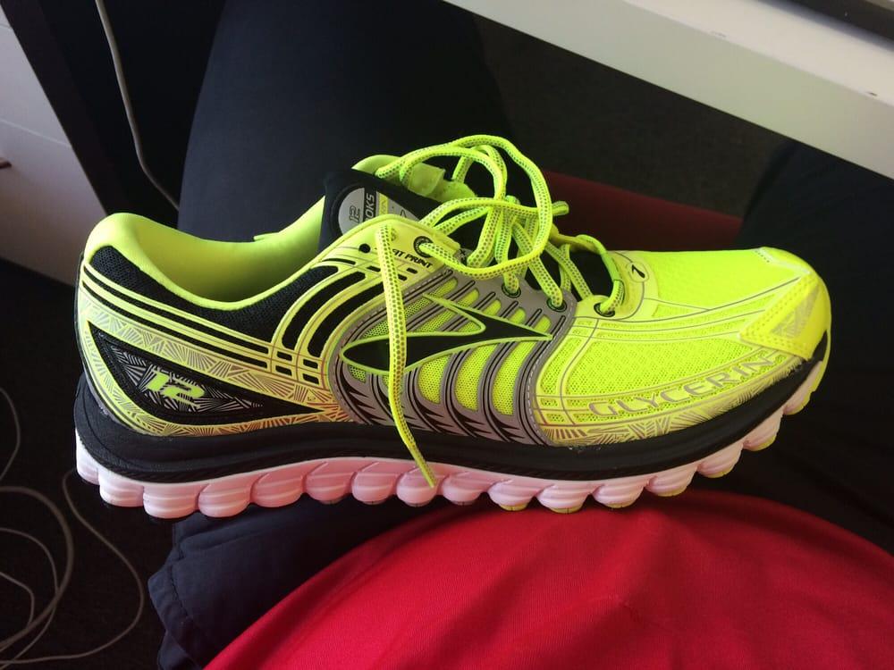 Fleet Feet Sports: 9525 Kenwood Rd, Cincinnati, OH
