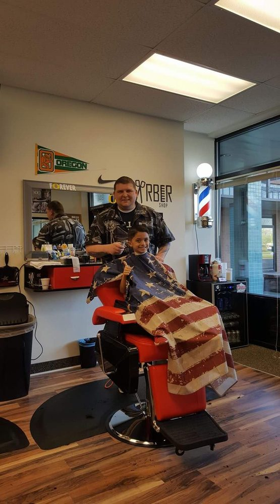 Dave's Place Barbershop: 148 Chemawa Rd N, Keizer, OR