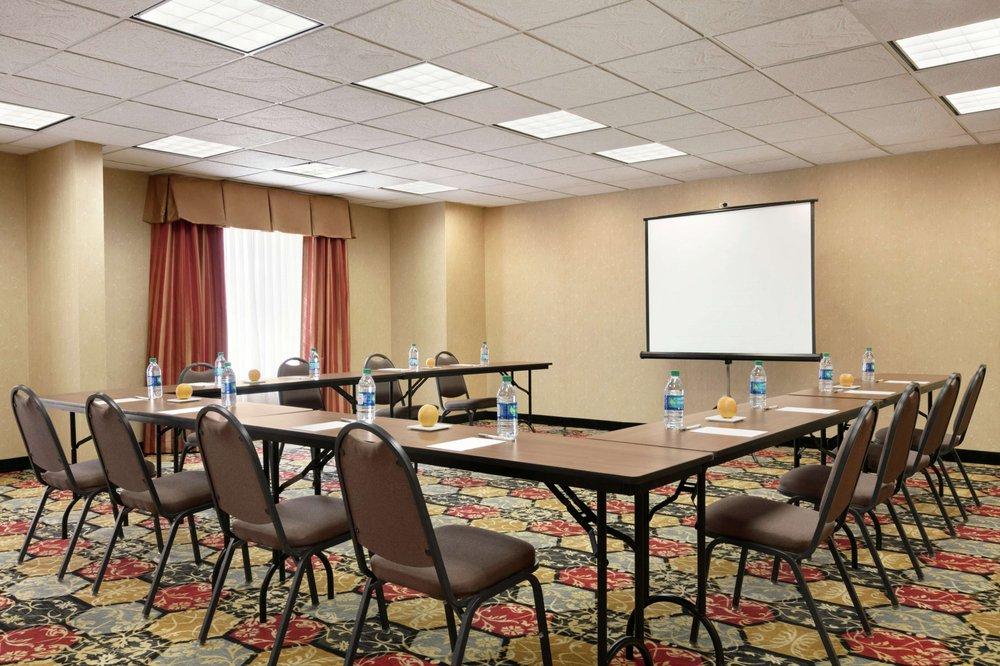 Hampton Inn & Suites Lawton: 2610 NW Cache Rd, Lawton, OK