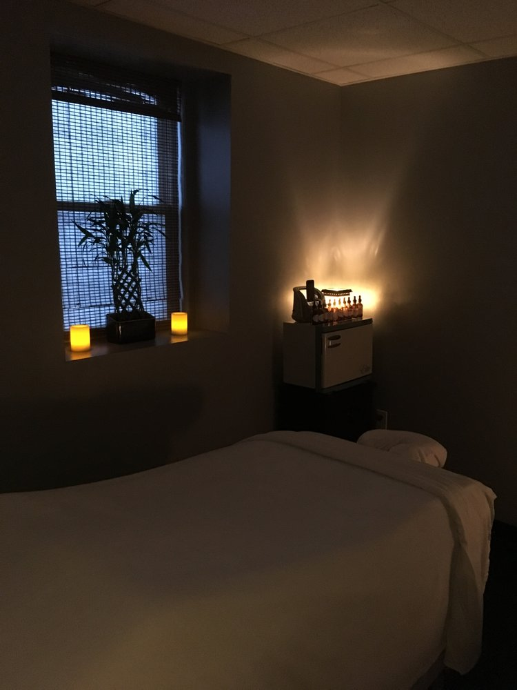B In Touch Massage Therapy: 1253 Highland Ave, Needham, MA