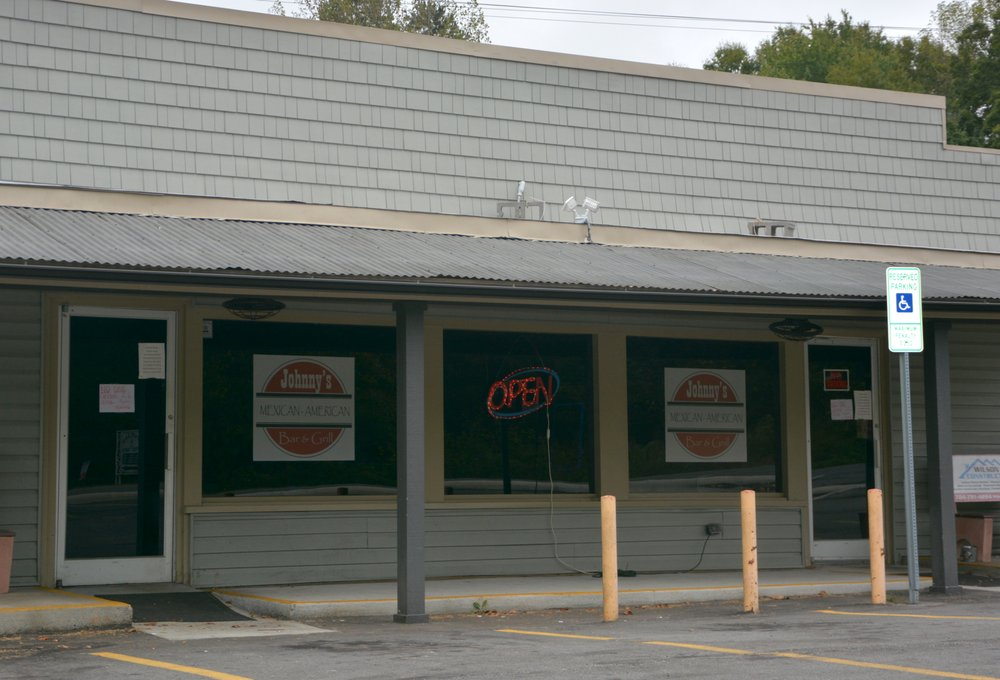 Johnny's Mexican American Bar and Grill: 1519 W Hwy 150, Lincolnton, NC