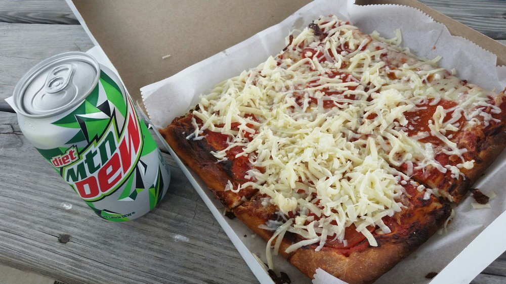 Wally's Old Fashioned Pizza: 805 Miller St, Caldwell, OH