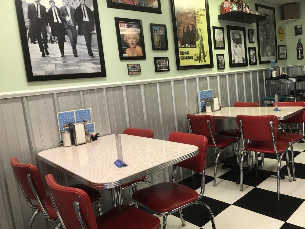Boom-a-rang Diner: 912 Manvel, Chandler, OK