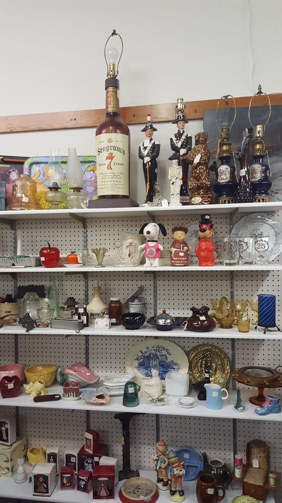 W D Pickers Antique Mall