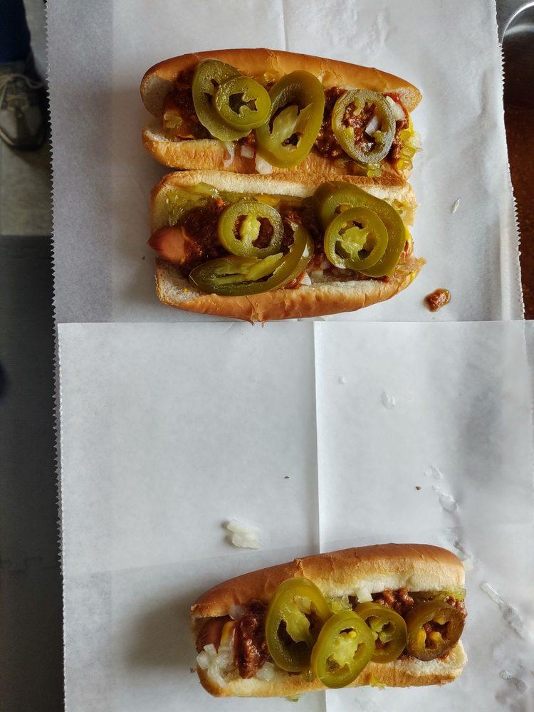 Sam's Hot Dog: 2347 Stuarts Draft Hwy, Stuarts Draft, VA