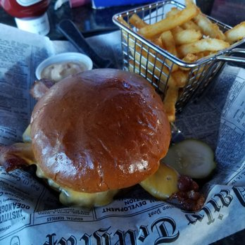 Rbi sports bar 25 photos 54 reviews american for Fish fry rockford il