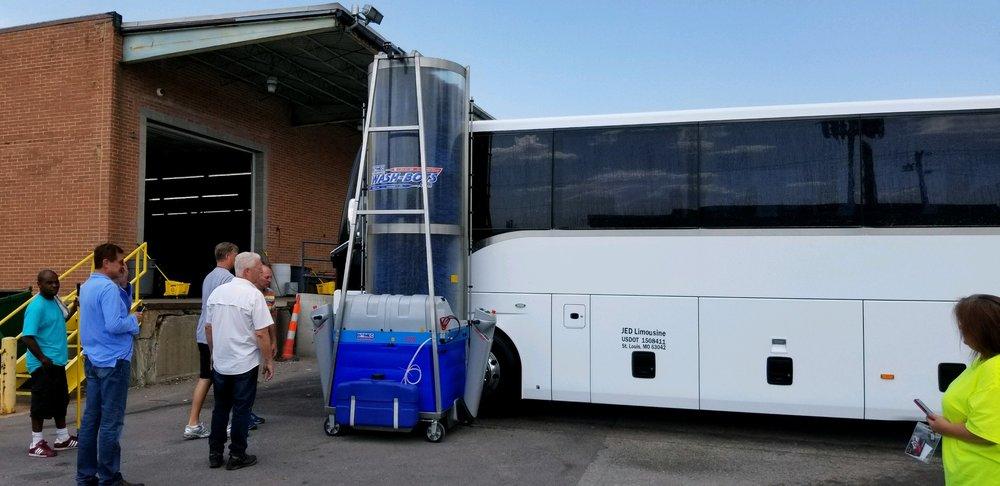 Presidential Limousines: 5800 Fee Fee Rd, Hazelwood, MO