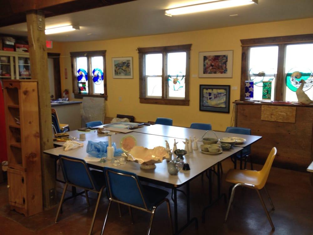 Artisans At the Dahmen Barn: 419 N Pkwy, Uniontown, WA