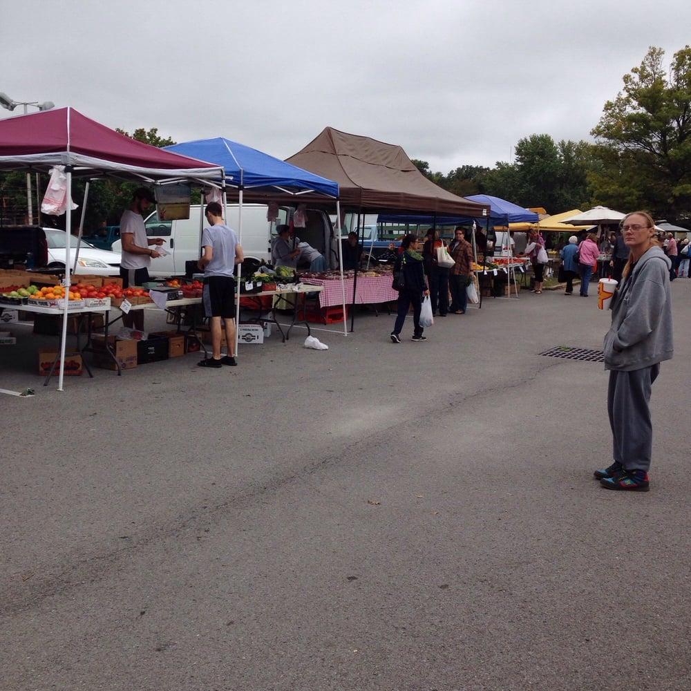 Carbondale Farmer's Market: Westen Mall Parking Lot, Carbondale, IL