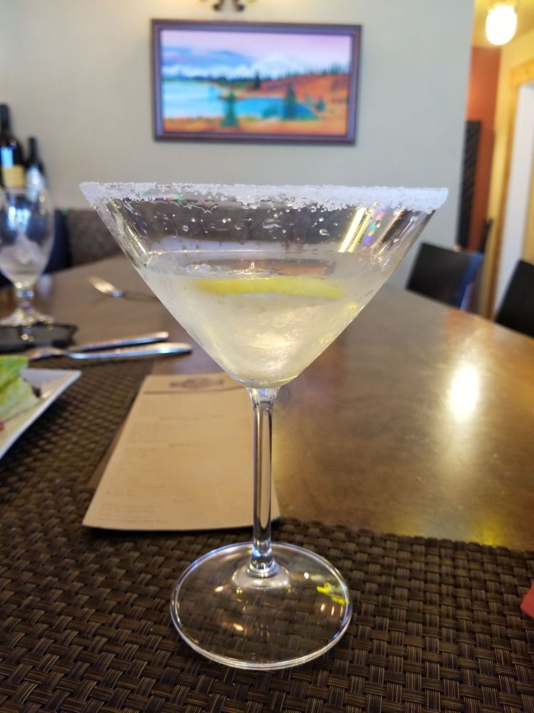 Highlander Bar and Grill: 8445 Canyon Ferry Rd, Helena, MT