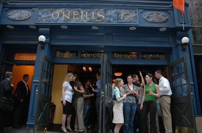 O 39 neill 39 s irish bar is an authentic irish pub offering new for Food bar new york city