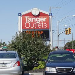 Tanger Outlets 22 Photos 71 Reviews Outlet Stores 311