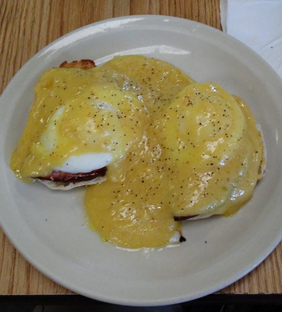Blue Hills Cafe: 706 N Main St, Bruce, WI
