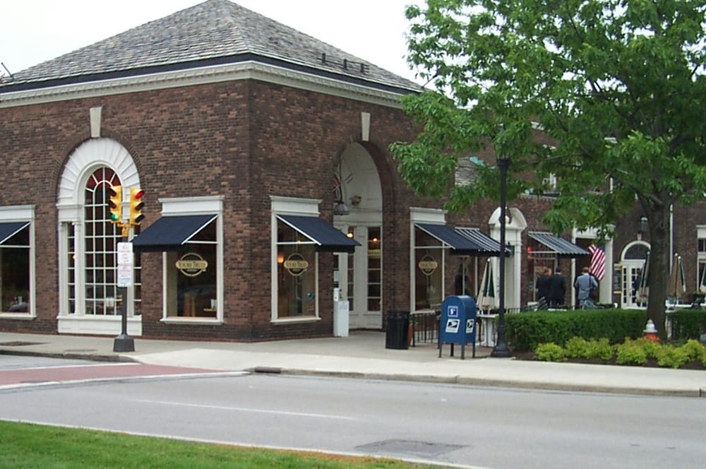 Photo Of Yours Truly Restaurants Cleveland Oh United States Yt Shaker Square