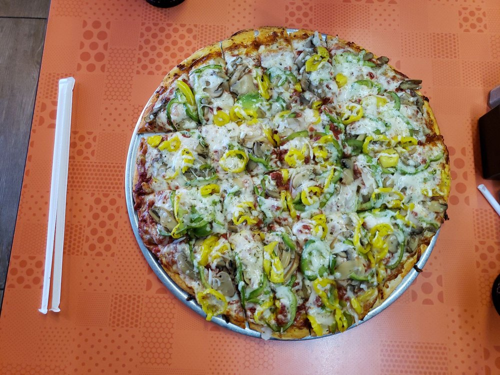 Melting Pot Pizza: 138 W 14th St, Front Royal, VA