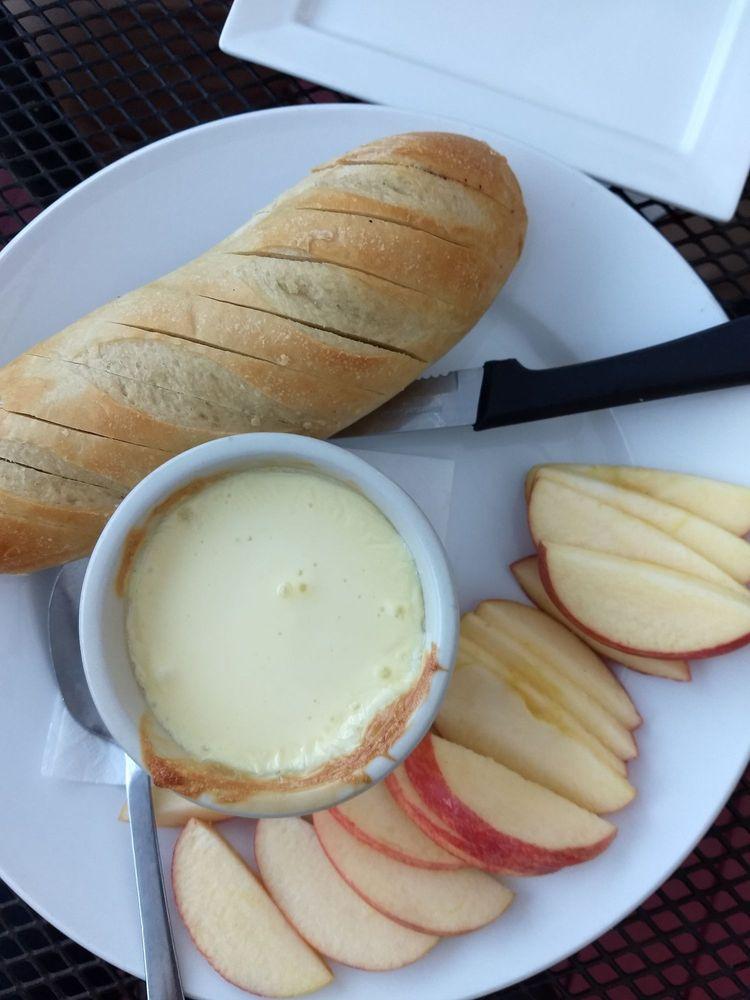 Weathervane Restaurant & Lounge: 1030 Main St, Readfield, ME