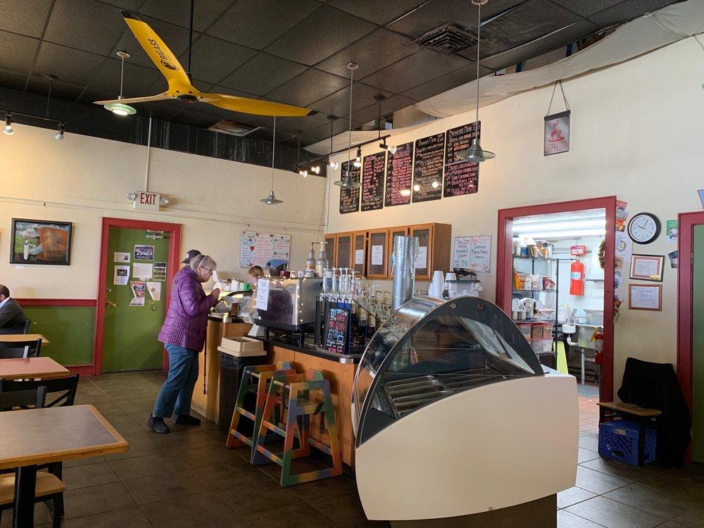 M Mountain Coffee: 110 Manzanares Ave E, Socorro, NM