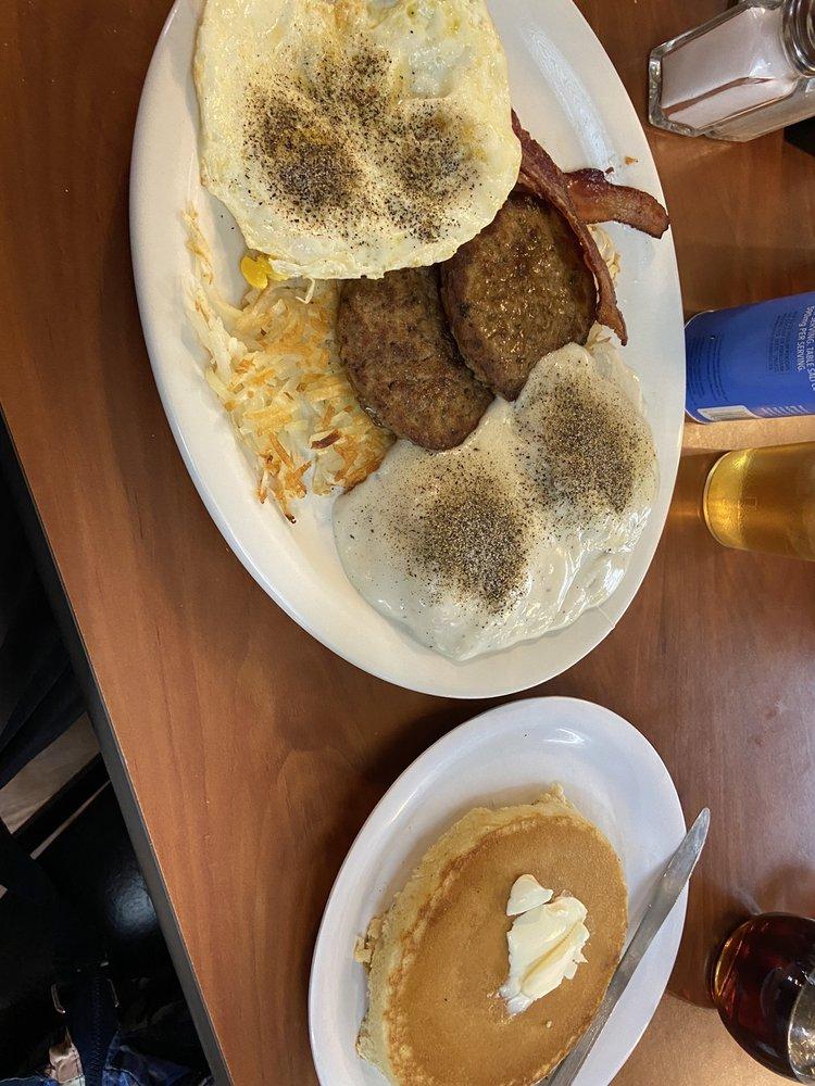 Cattleman's Restaurant: 304 W Main St, Green Forest, AR
