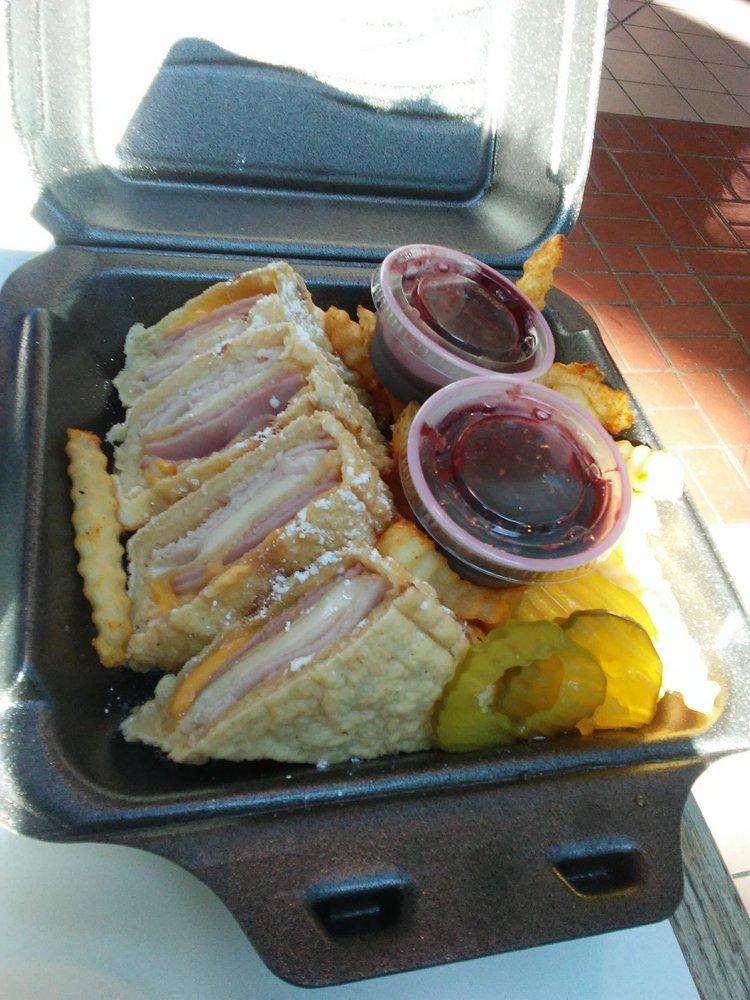 Rico's Diner: 4522 Fredericksburg Rd, Balcones Heights, TX