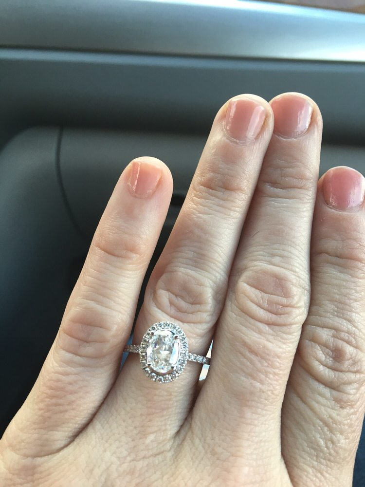 My Stunning Engagement Ring Melanie Harlin And My