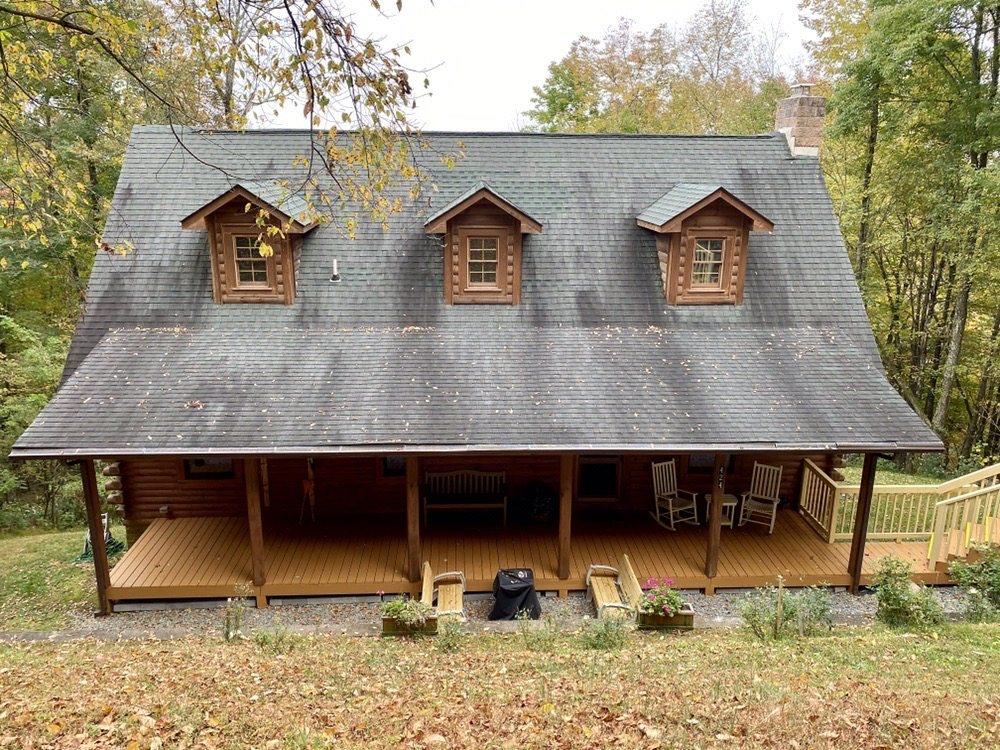 Alpine Log Cabin: 424 Alpine Dr, Seven Devils, NC
