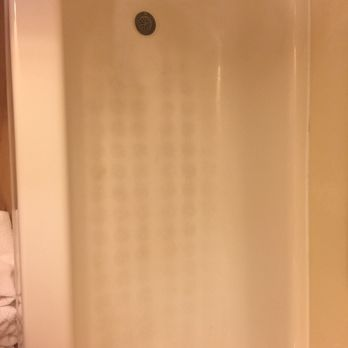 Photo Of Red Roof Inn Boardman   Youngstown, OH, United States. Filthy Tub