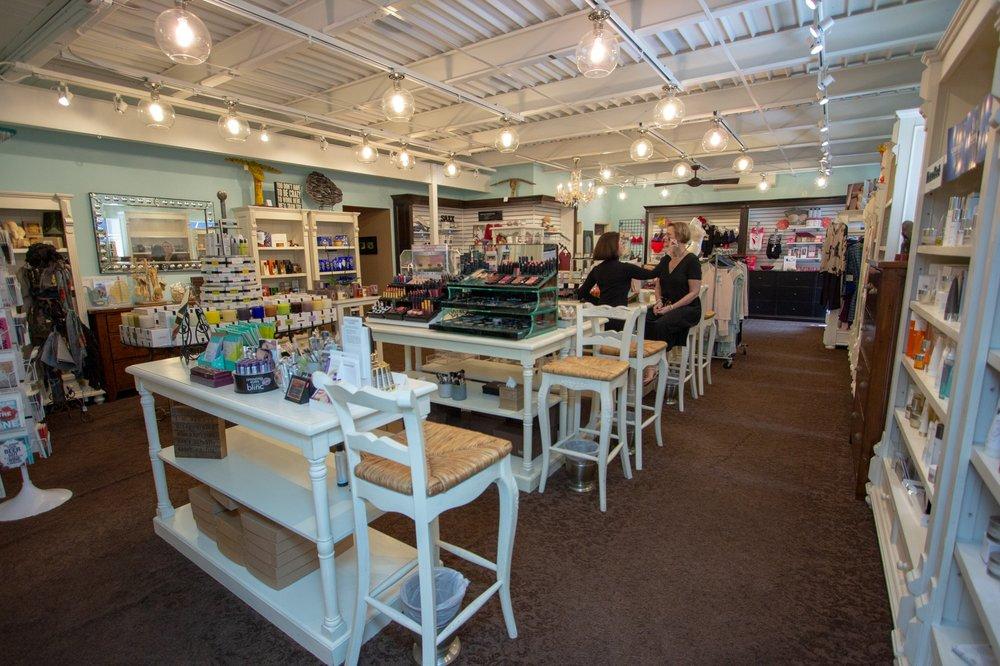 Kanvas Beauty: 823 Thomasville Rd, Tallahassee, FL