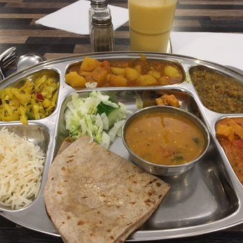 Savan s aahaar 37 foto 39 s 50 reviews indisch lange for Sideboard indisch