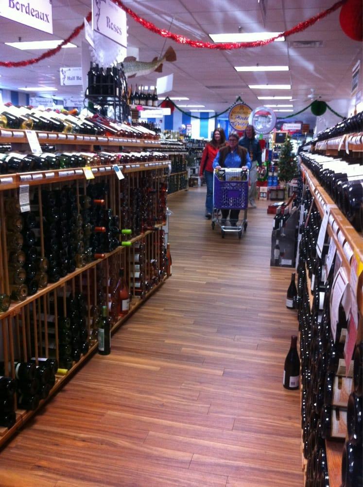 Seaside Wine & Spirits: 118 Main St, Old Saybrook, CT