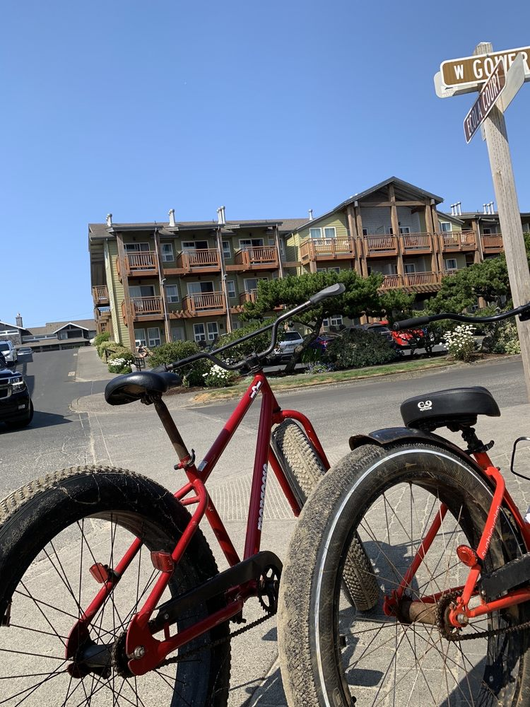 Family FUNcycles: 1160 S Hemlock St, Cannon Beach, OR