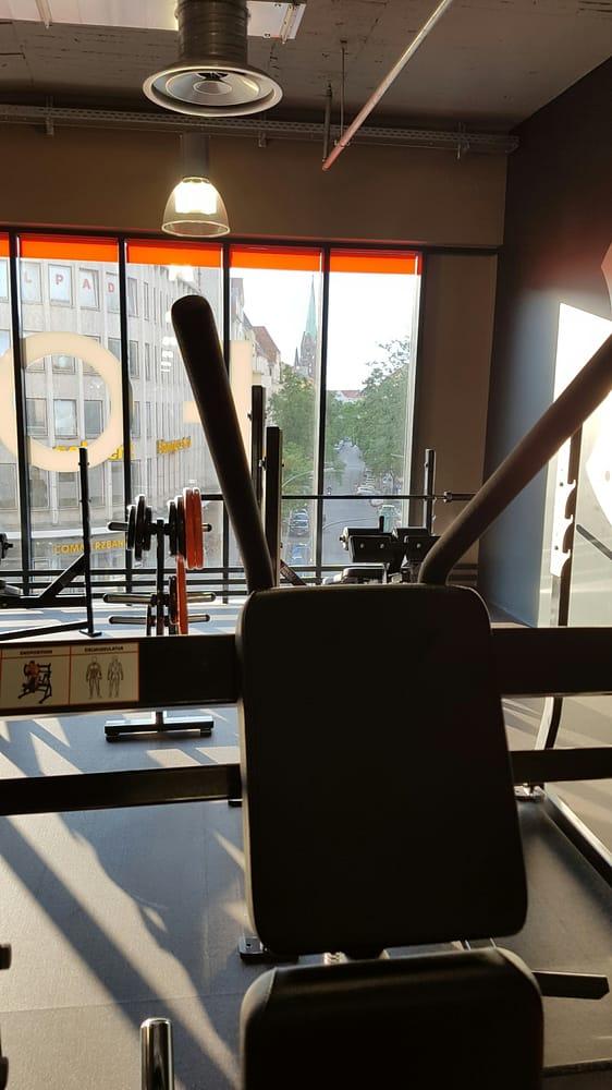 FitX - 35 Fotos - Fitnessstudio - Hauptstr. 141, Schöneberg, Berlin ...