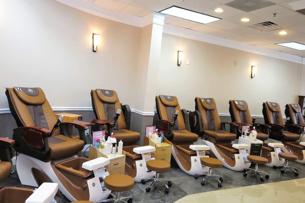 Usa nails 16 photos 14 reviews nail salons 135 for 777 nail salon fayetteville nc