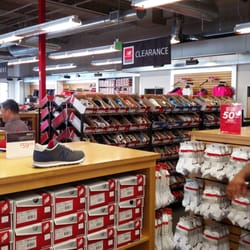 new balance outlet plaza las americas