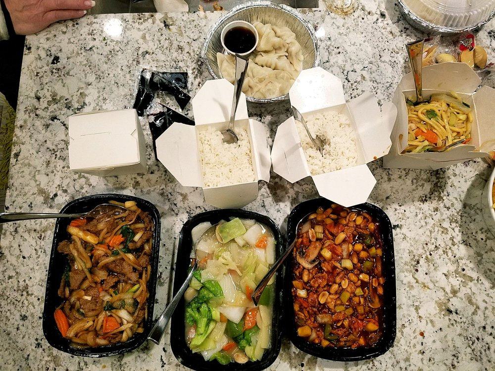 Canton Chinese Cuisine: 5923 Ashworth Rd, West Des Moines, IA