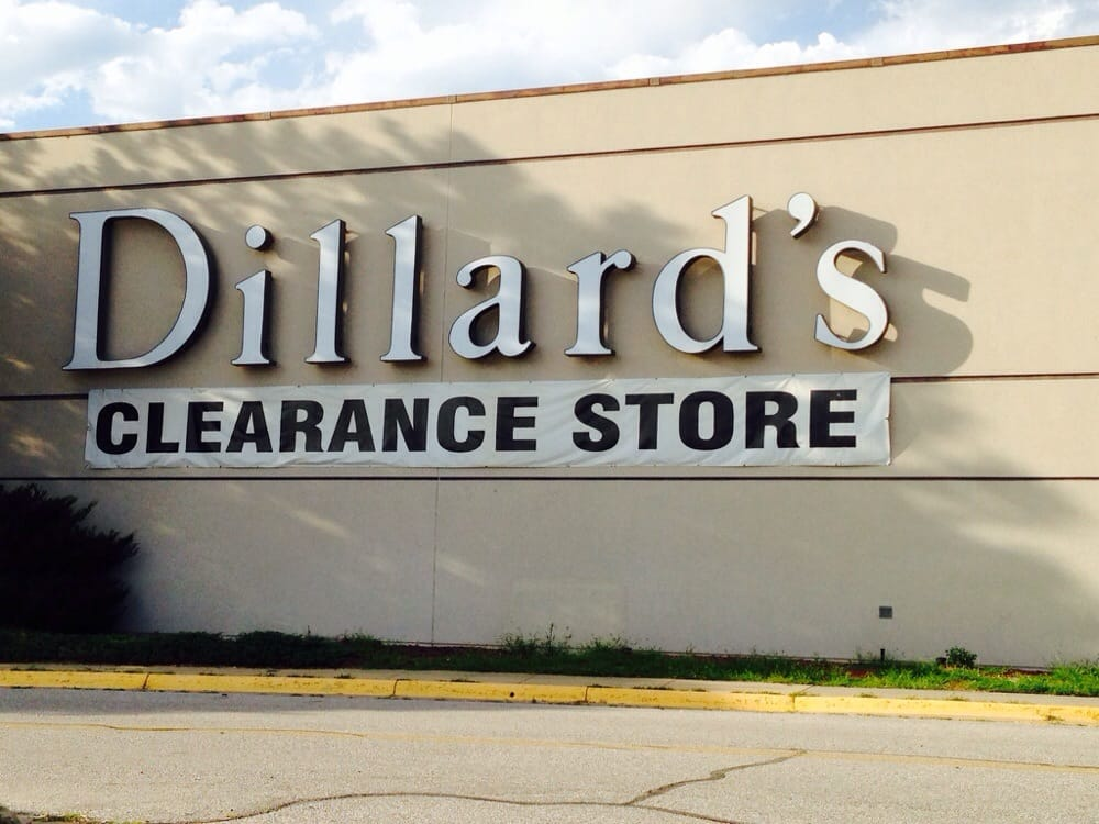 Dillard's Clearance Center is a bit of a hot mess, but it's a fun hot mess. You have to go in with the right attitude. You never know if you might find something, but keep an open mind.4/4(68).