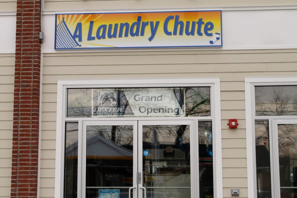 A Laundry Chute: 725 River Rd, New Milford, NJ