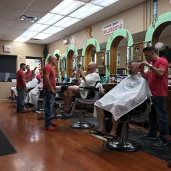 The Best 10 Barbers Near Esquire Barbershop In Chicago Il Yelp